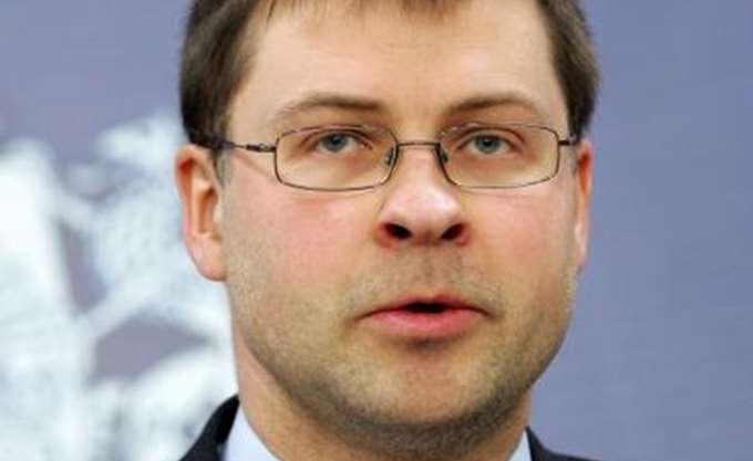 Πρωτοβουλίες της ΕΕ στον κλάδο των fintech, προανήγγειλε ο Ντομπρόβσκις