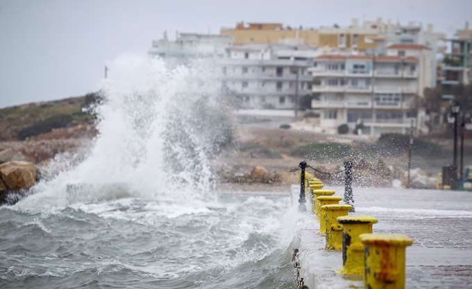 Κύμα άνω των 11 μέτρων αναμένεται να προκαλέσει ο μεσογειακός κυκλώνας