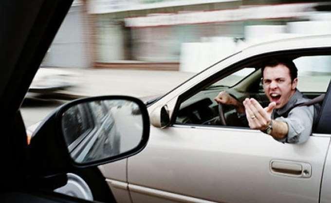 Ευρωβαρόμετρο: Πρώτοι στις βρισιές οι Έλληνες οδηγοί