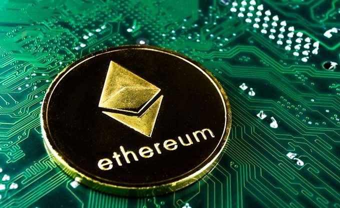 """""""Άγγιξε"""" το ιστορικό ρεκόρ το Εthereum - Πώς επηρεάζεται το Bitcoin"""