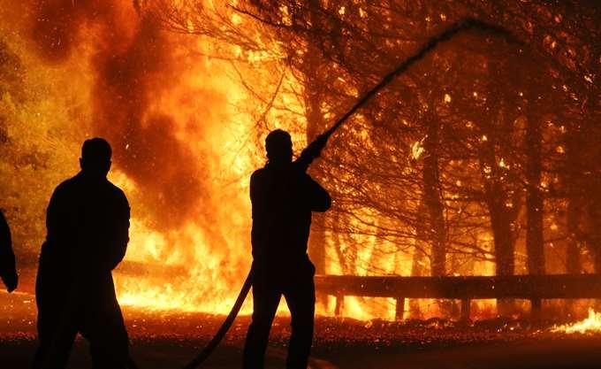 Στο έλεος των πυρκαγιών η Σουηδία
