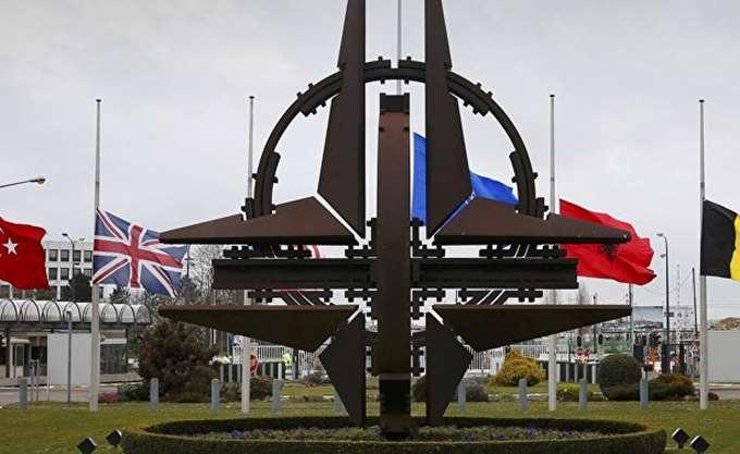 """Ο υπ. Άμυνας των ΗΠΑ προειδοποιεί για """"τόξο αστάθειας"""" στην περιφέρεια της Ευρώπης"""