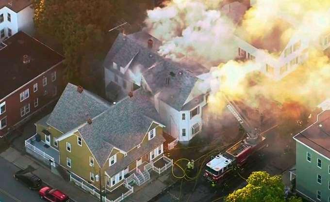 ΗΠΑ: Ένας νεκρός και 12 τραυματίες από εκρήξεις λόγω διαρροής αερίου στη Βοστόνη