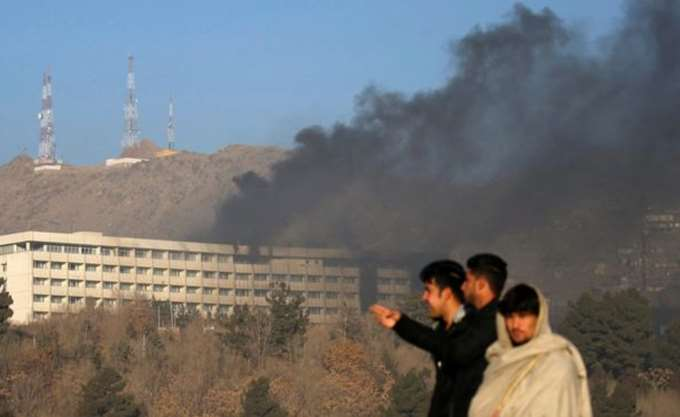 BBC: Ένας Έλληνας ανάμεσα στους νεκρούς της επίθεσης στην Καμπούλ -19 τα θύματα