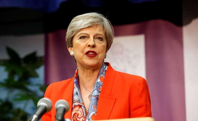 FT: Η Τερέζα Μέι θα παρακάμψει τον Μισέλ Μπαρνιέ για το Brexit