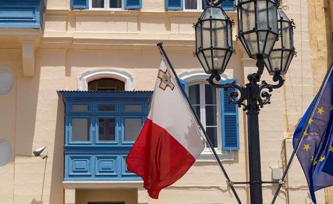 Το πλοίο Lifeline με τους 234 πρόσφυγες έλαβε άδεια για να εισέλθει στα χωρικά ύδατα της Μάλτας