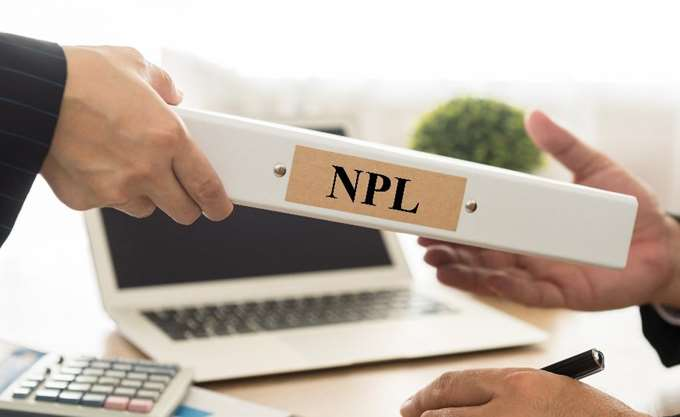 Απόσταση δεκαετίας μέσα σε τέσσερα χρόνια πρέπει να καλύψουν οι τράπεζες στα NPLs