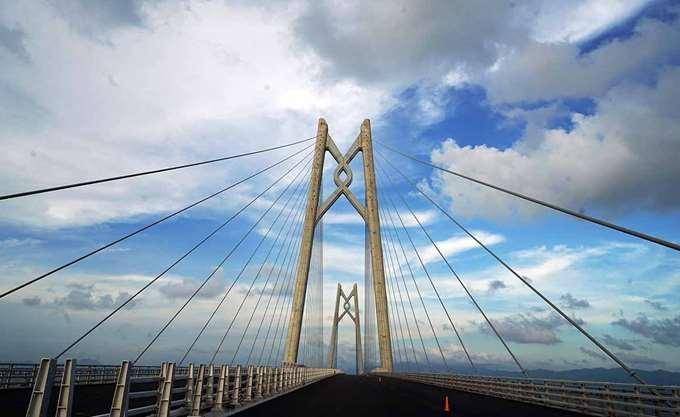 Κίνα: Στην κυκλοφορία την Τετάρτη η μακρύτερη θαλάσσια γέφυρα του κόσμου