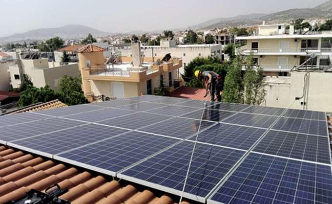 Πρότυπη δίκη στο ΣτΕ για τις περικοπές-μαμούθ στους ιδιοκτήτες οικιακών φωτοβολταϊκών