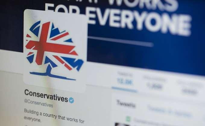Βρετανία: Στην πέμπτη θέση κατρακυλούν δημοσκοπικά οι Συντηρητικοί της Μέι