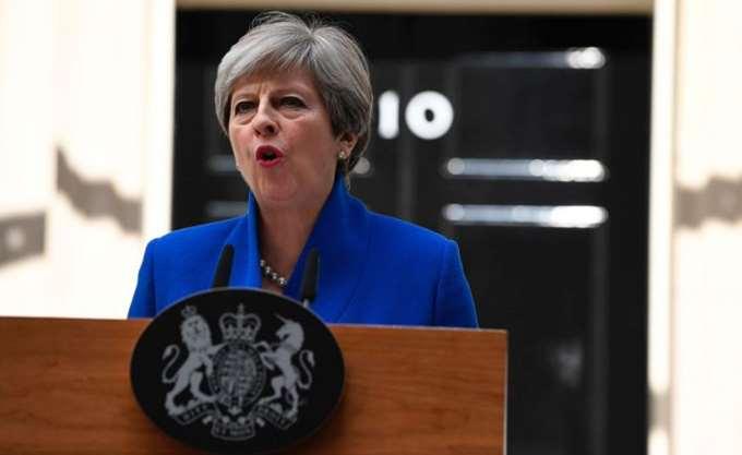 Η Τερέζα Μέι ανακοίνωσε ανασχηματισμό της κυβέρνησής της