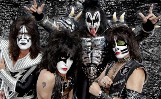 Οι Kiss αποχαιρετούν τη ροκ σκηνή με μια τελευταία περιοδεία