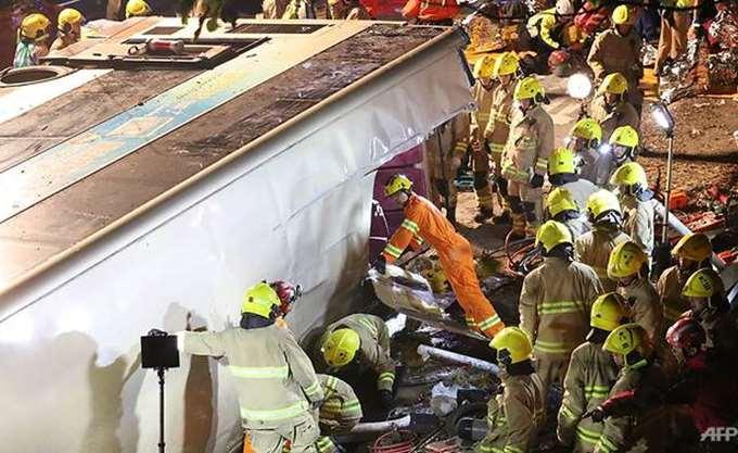 Χονγκ Κονγκ: 19 νεκροί σε ανατροπή διώροφου λεωφορείου