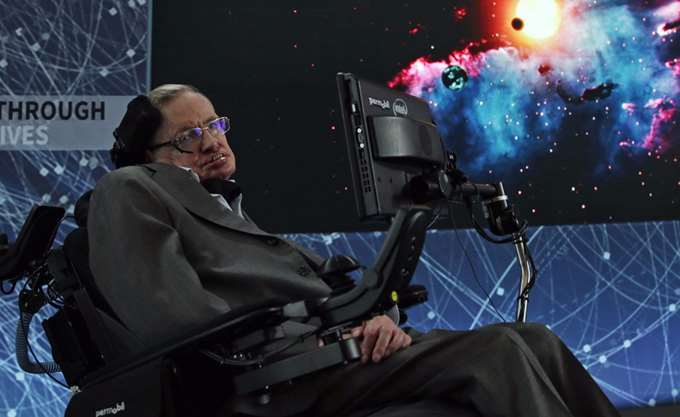 "O Stephen Hawking φοβόταν ελίτ ""υπερανθρώπων"" που θα μπορούν να παρεμβαίνουν στο ίδιο τους το DNA"