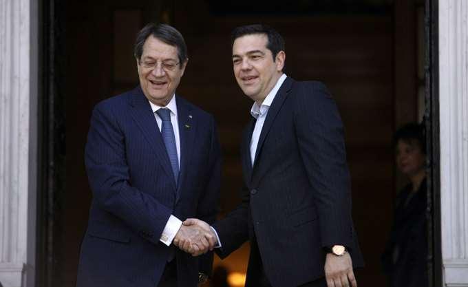 Τηλεφωνική ενημέρωση Αναστασιάδη από Τσίπρα για την συνάντηση με Ερντογάν
