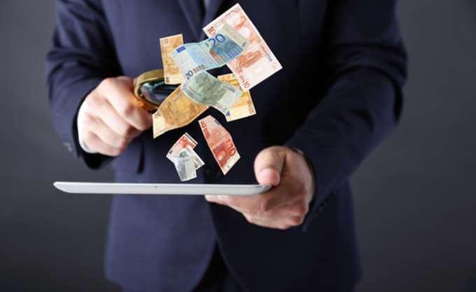 Ποιοι φόροι πρέπει να πληρωθούν έως τη Δευτέρα
