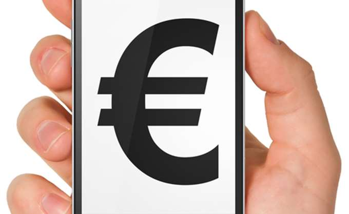 Σάλος (και) με τους φόρους στην κινητή τηλεφωνία (upd)
