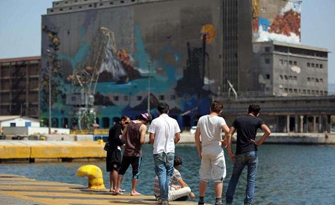 Άλλοι 104 αιτούντες άσυλο αναχώρησαν από τη Λέσβο για την ενδοχώρα