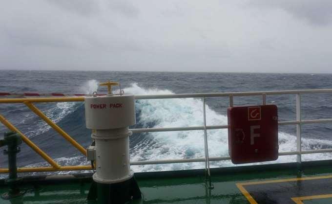 Μηχανική βλάβη σε φορτηγό πλοίο, ανοιχτά της Τήνου