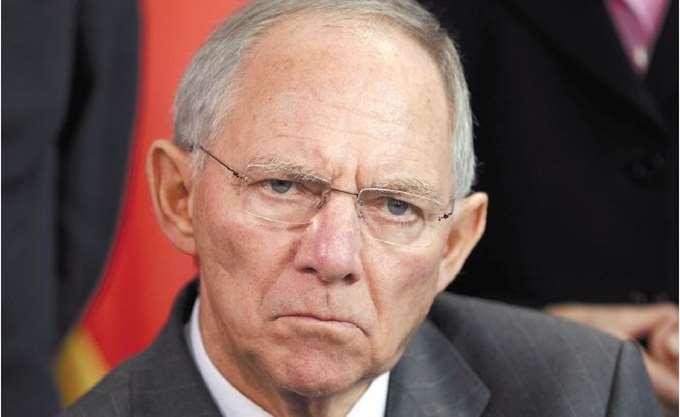 Σόιμπλε: Η Γερμανία έχει αποφασίσει να δαπανήσει περισσότερα για την άμυνα