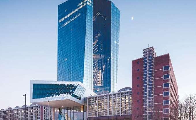 """Μόχλευση-σοκ στα παράγωγα απειλεί με νέα """"Lehman Brothers"""""""
