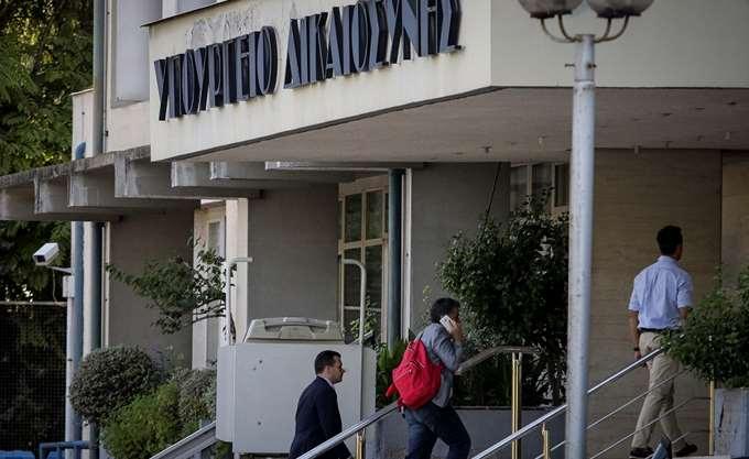 Κυβερνητική πηγή διαψεύδει το ΑΠΕ: Δεν άρχισε καν η διαπραγμάτευση για τις συντάξεις