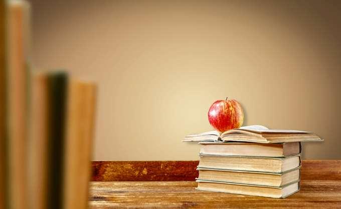 """Το """"πρώτο κουδούνι"""" της χρονιάς θα χτυπήσει αύριο σε όλα τα σχολεία της χώρας"""