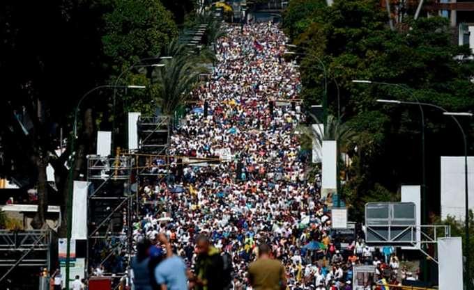Βενεζουέλα: Οι δυνάμεις ασφαλείας απέκλεισαν την είσοδο του κοινοβουλίου
