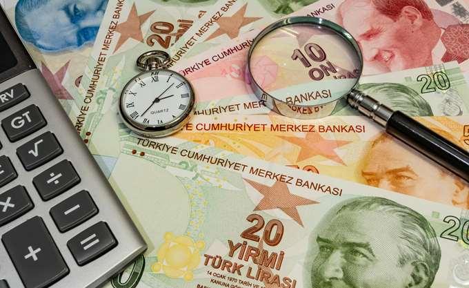 Υποχωρεί η τουρκική λίρα και τα αναδυόμενα νομίσματα εν αναμονή των αμερικανικών macro
