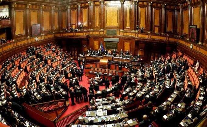 Προετοιμάζεται για την ψήφο εμπιστοσύνης στη Βουλή η κυβέρνηση της Ιταλίας