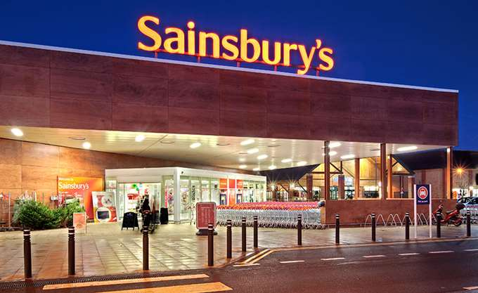 Sainsbury: Εξαγοράζει την Asda έναντι 10,1 δισ. δολ.