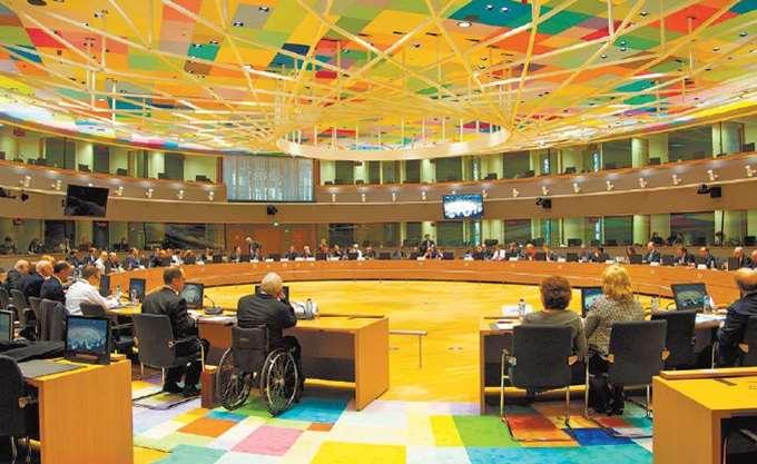 """Ελληνική """"δόση"""" και ανοικτά μέτωπα ανά την ΕΕ στη Σύνοδο του Eurogroup"""