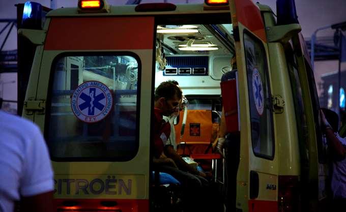 Θεσσαλονίκη: Ένας νεκρός και 19 τραυματίες σε σύγκρουση βαν με νταλίκα