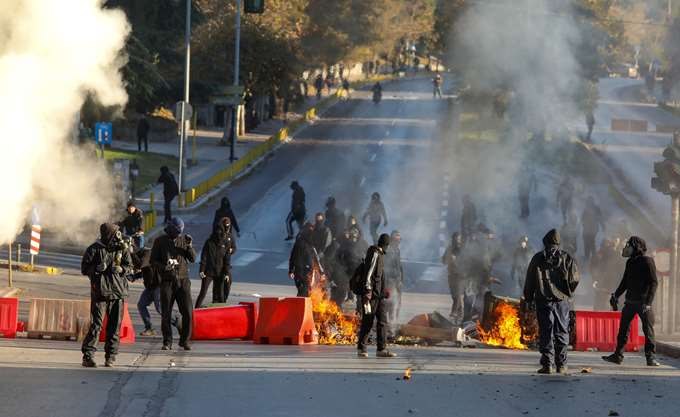 Θεσσαλονίκη: Ολοκληρώθηκε η πορεία για τον Α. Γρηγορόπουλο - Ένταση με κουκουλοφόρους
