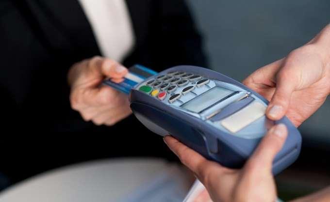 Συναλλαγές 29,4 δισ. ευρώ με κάρτες το α΄ εξάμηνο 2018