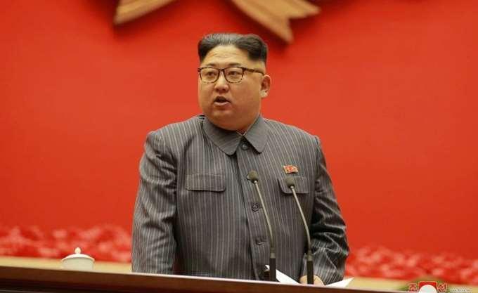 """Ο Κιμ Γιονγκ Ουν αναφέρθηκε για πρώτη φορά επισήμως στον """"διάλογο"""" με τις ΗΠΑ"""