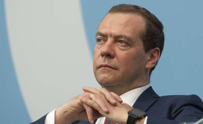 Μεντβέντεφ: Έτοιμη η Ρωσία να συμμετάσχει στην κατασκευή πυρηνικού σταθμού στη Βουλγαρία