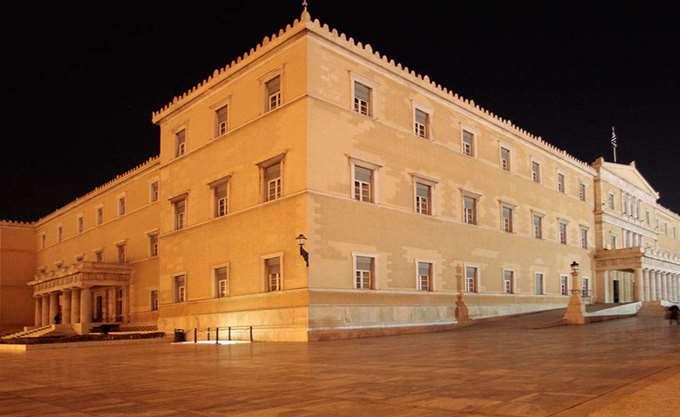 Άγριος καυγάς Χριστοδουλοπούλου - αντιπολίτευσης για τον Καμμένο στη Θεσμών