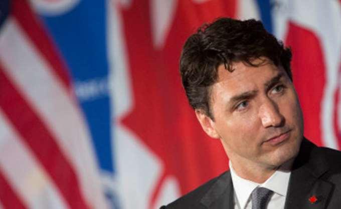 Ο πρωθυπουργός Τριντό κατηγορείται ότι είχε θωπεύσει μια δημοσιογράφο το 2000