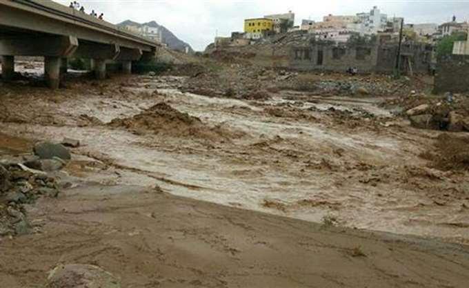 Περισσότεροι από 100 οι νεκροί από τις σαρωτικές πλημμύρες στην Ινδία