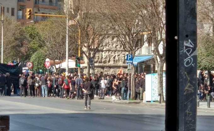 Επεισόδια στη Θεσσαλονίκη μεταξύ αντιεξουσιαστών και ΜΑΤ