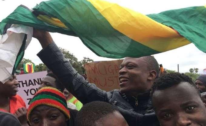 Μεταρρυθμίσεις για να βγει η χώρα από την κρίση υποσχέθηκε ο πρόεδρος της Ζιμπάμπουε