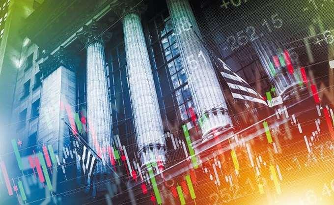 Διευρύνουν τις απώλειες οι ευρωαγορές μετά τις προβλέψεις της Κομισιόν