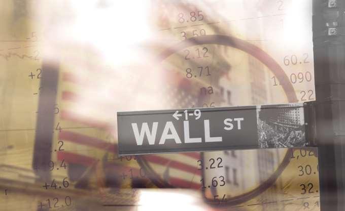 Απώλειες άνω των 200 μονάδων για τον Dow στη σκιά των γεωπολιτικών εντάσεων