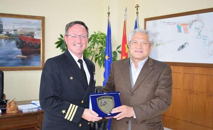 Εθιμοτυπική επίσκεψη στον ΟΛΠ του Commanding Officer του Αμερικανικού πολεμικού πλοίου USS MITSCER