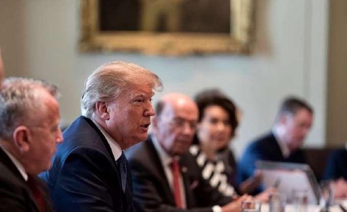 """ΗΠΑ: Στρατιωτική δύναμη έως 15.000 ανδρών αναπτύσσει ο Τραμπ κατά του """"καραβανιού μεταναστών"""""""