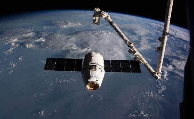 Το Dragon της SpaceX έφθασε στον Διεθνή Διαστημικό Σταθμό