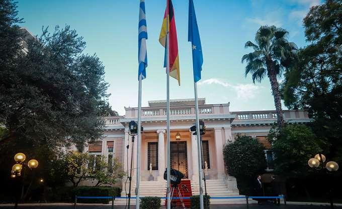 Απάντηση πρωθυπουργού στον Β. Μαρινάκη χωρίς... απαντήσεις