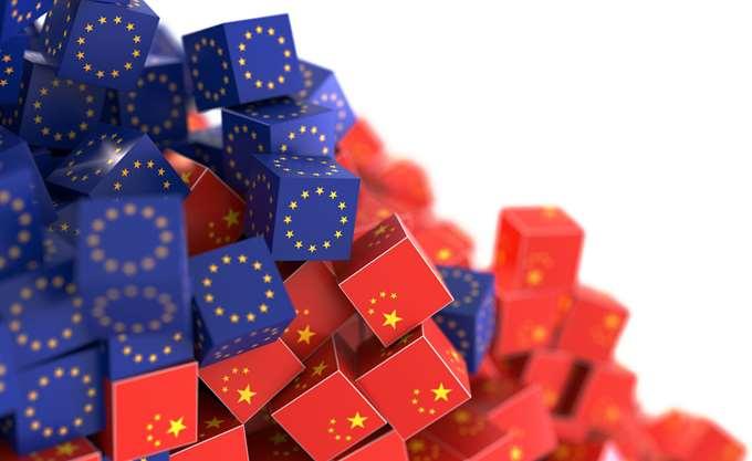 Η Κίνα δηλώνει ότι θέλει να συνεργαστεί στενά με την ΕΕ, ειδικά στο πεδίο του εμπορίου