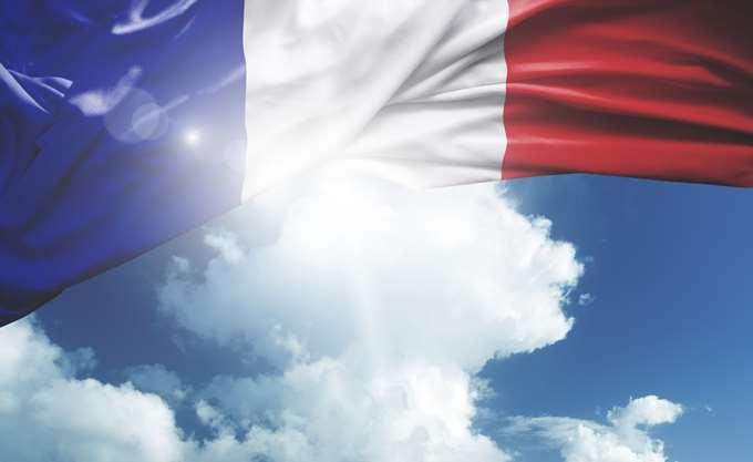 Δικό της φόρο για τους κολοσσούς του Διαδικτύου προτίθεται να εισαγάγει η Γαλλία